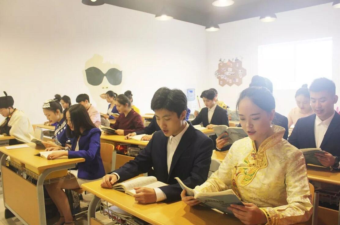 新亚艺术学校2018届寒假班播音与主持专业课程安排
