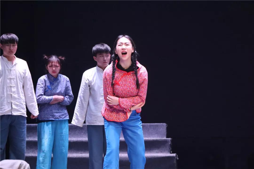 舞台剧《生死场》